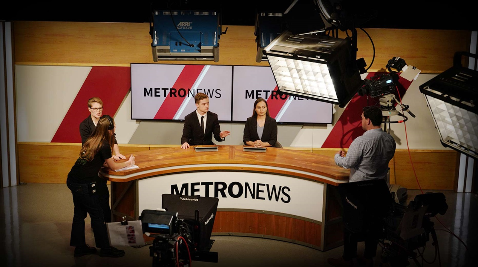 New Zealand Broadcasting School Student Anchors In-studio Experience