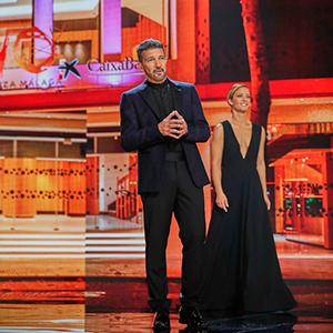 hosts Antonio Banderas and Maria Casado